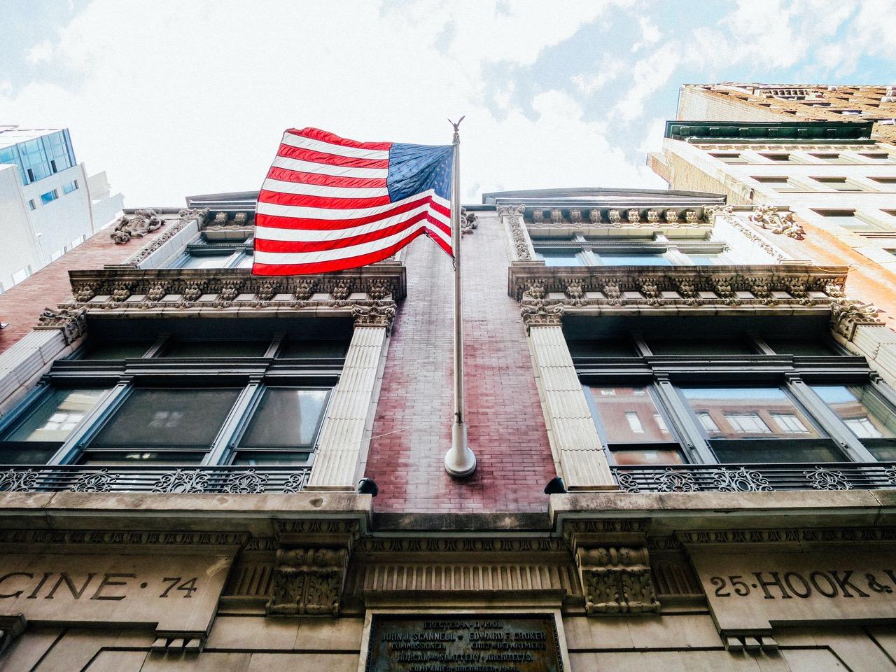 ビザ 館 アメリカ 再開 大使